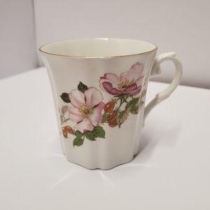 Royal Grafton floral garland Coffee tea mug
